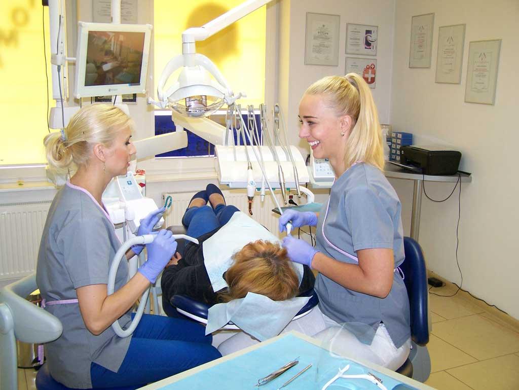 gabinet stomatologiczny zielona góra sobieskiego 9